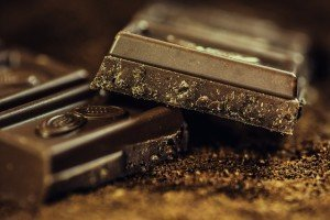 dark chocolate helps blood pressure