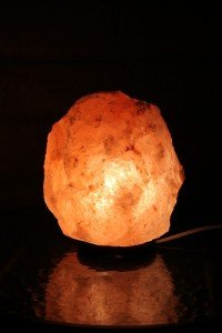 himalayan salt lamp ions